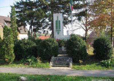 Rózsaszentmárton világháborús emlékmű 2008.10.13. küldő-kalyhas