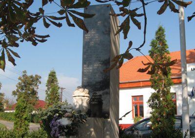 Rózsaszentmárton világháborús emlékmű 2008.10.13. küldő-kalyhas (5)
