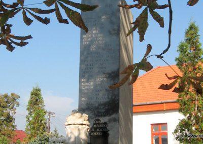 Rózsaszentmárton világháborús emlékmű 2008.10.13. küldő-kalyhas (6)