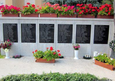 Röszke II.vh emlékmű 2011.08.20. küldő-kalyhas (3)