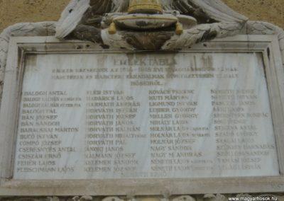 Ravazd I.vh emlékmű 2009.12.19. küldő-Ágca (3)
