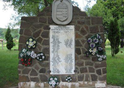 Recsk II.vh emlékmű 2007.07.01. küldő-kalyhas (1)