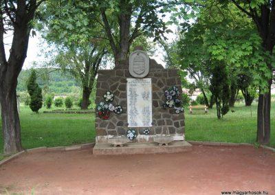 Recsk II.vh emlékmű 2007.07.01. küldő-kalyhas