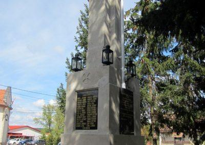 Recsk felújított I. világháborús emlékmű 2014.04.10. küldő-kalyhas (7)