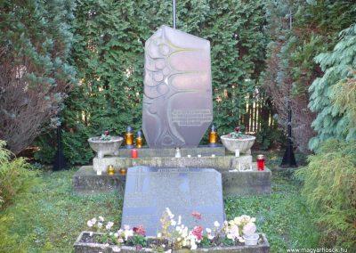 Resznek világháborús emlékmű 2009.11.17. küldő-Sümec (1)