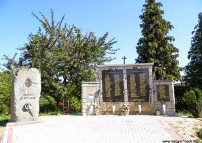 Rezi világháborús emlékmű 2014.06.09. küldő-Méri (1)