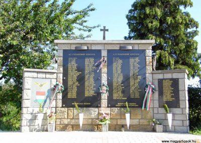 Rezi világháborús emlékmű 2014.06.09. küldő-Méri (2)