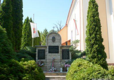 Rigyác világháborús emlékmű 2010.07.14. küldő-Sümec
