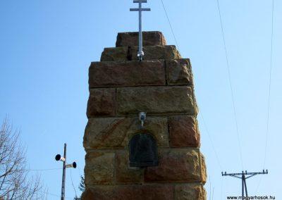 Rimóc világháborús emlékmű 2012.04.03. küldő-kalyhas (2)
