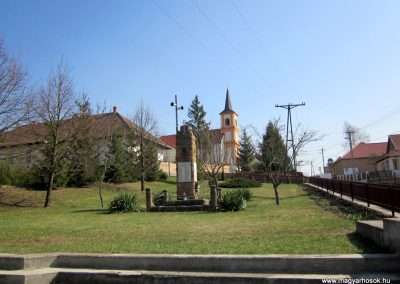 Rimóc világháborús emlékmű 2012.04.03. küldő-kalyhas