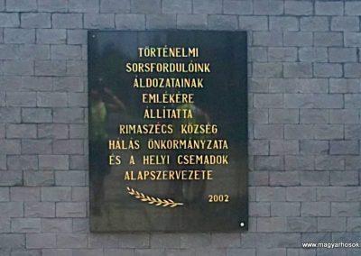 Rimaszécs hősi emlékmű 2012.05.02. küldő-Pataki Tamás (2)