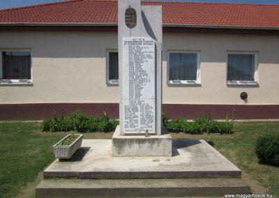 Rohod világháborús emlékmű 2013.07.08. küldő-kalyhas (4)