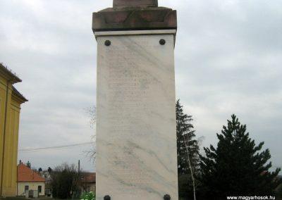 Romhány világháborús emlékmű 2009.03.25.küldő-Mónika39-né (1)
