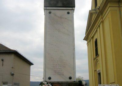 Romhány világháborús emlékmű 2009.03.25.küldő-Mónika39-né (2)