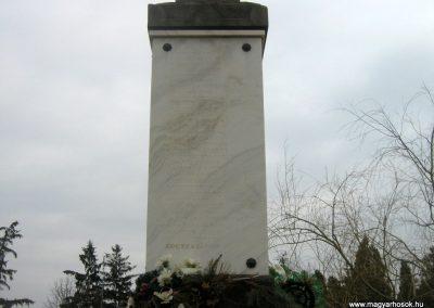 Romhány világháborús emlékmű 2009.03.25.küldő-Mónika39-né (3)