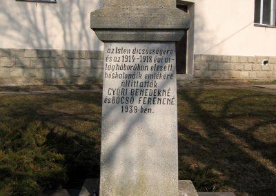 Ságújfalu világháborús emlékmű 2011.03.12. küldő-kalyhas (1)