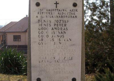 Ságújfalu világháborús emlékmű 2011.03.12. küldő-kalyhas (5)