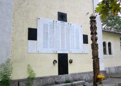 Sándorfalva világháborús emlékmű 2011.08.20. küldő-kalyhas (1)