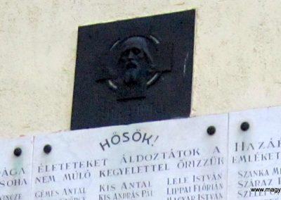 Sándorfalva világháborús emlékmű 2011.08.20. küldő-kalyhas (3)