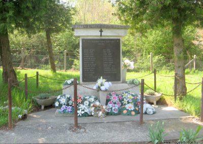 Sántos II.vh emlékmű 2011.04.23. küldő-kalyhas (1)
