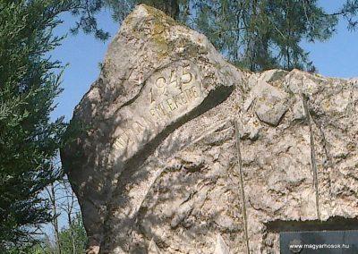 Sárbogárd- Rétszilas II.vh emlékmű 2012.04.28. küldő-miki (1)