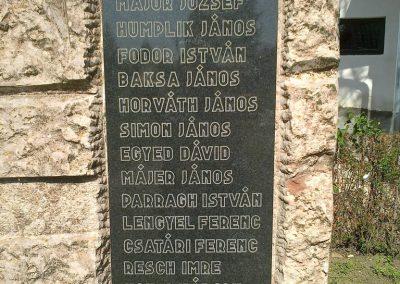 Sárbogárd- Rétszilas II.vh emlékmű 2012.04.28. küldő-miki (2)