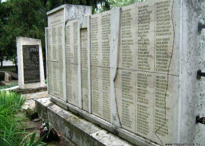 Sárbogárd világháborús emlékmű 2010.09.01. küldő-Mistel (10)
