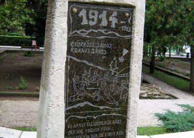 Sárbogárd világháborús emlékmű 2010.09.01. küldő-Mistel (3)