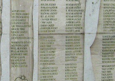 Sárbogárd világháborús emlékmű 2010.09.01. küldő-Mistel (8)
