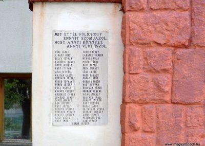 Sárkeresztúr I. világháborús emlékmű 2014.07.12. küldő-Méri (1)