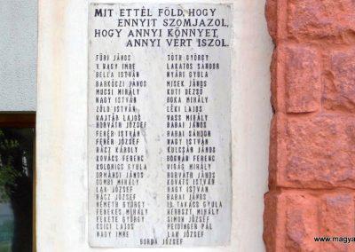 Sárkeresztúr I. világháborús emlékmű 2014.07.12. küldő-Méri (2)