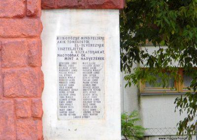 Sárkeresztúr I. világháborús emlékmű 2014.07.12. küldő-Méri (3)