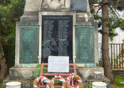 Sárkeresztes világháborús emlékmű 2015.05.16. küldő-Méri (3)