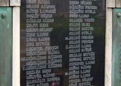 Sárkeresztes, I. és II. világháborús emlékműII. vh-s emléktábla