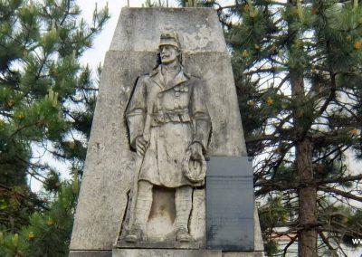 Sárkeresztes világháborús emlékmű 2015.05.16. küldő-Méri (7)