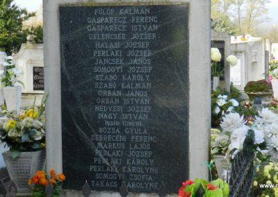 Sárkeszi II. világháborús emlékmű 2014.11.09. küldő-Huber Csabáné (2)