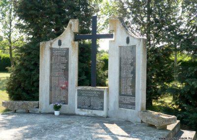 Sármellék világháborús emlékmű 2013.05.10. küldő-Sümec (9)