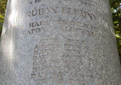 Sárosd II. világháborús emlékmű 2012.08.31. küldő-Baloghzoli (1)