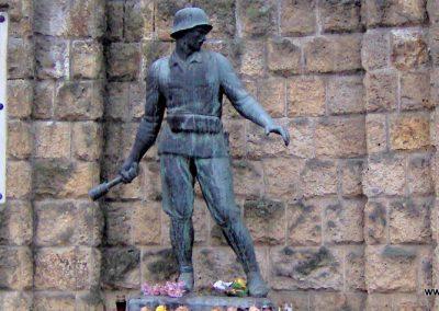 Sárospatak világháborús emlékmű 2006.10.26. küldő-Ágca (2)