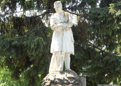Sárrétudvari I. és II. világháborús emlékmű 2018.05.26. küldő-Bóta Sándor (3)