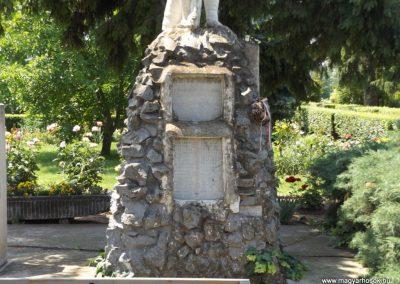 Sárrétudvari I. és II. világháborús emlékmű 2018.05.26. küldő-Bóta Sándor (4)