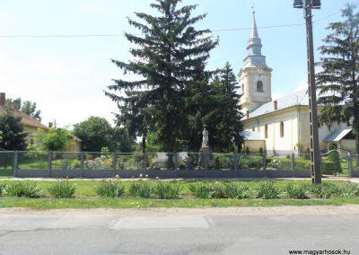 Sárrétudvari I. és II. világháborús emlékmű 2018.05.26. küldő-Bóta Sándor (kalyhas)