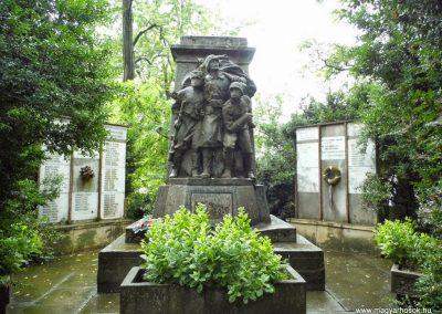 Sárszentágota világháborús emlékmű 2014.07.12. küldő-Méri (2)