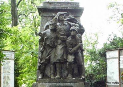 Sárszentágota világháborús emlékmű 2014.07.12. küldő-Méri (3)