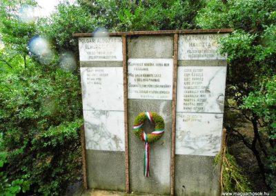 Sárszentágota világháborús emlékmű 2014.07.12. küldő-Méri (7)