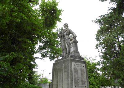 Sárszentmihály világháborús emlékmű 2015.06.19. küldő-Méri (6)