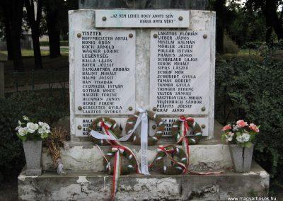 Sásd I.vh emlékmű 2007.08.04.küldő-Kályhás (1)