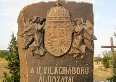 Sáska II. világháborús emlékmű 2013.08.22. küldő-kalyhas (4)