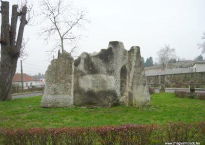 Sátoraljaújhely II.vh emlékmű 2009.12.07. küldő-Ágca (1)