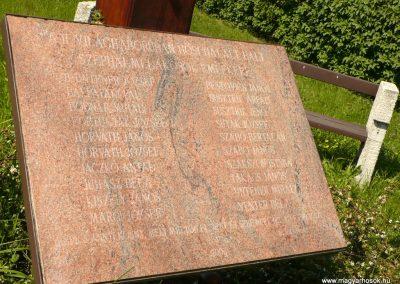 Sátoraljaújhely-Széphalom II.világháborús emlékmű 2012.05.20. küldő-Gombóc Arthur (4)
